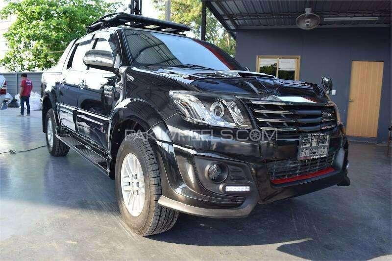 Toyota Hilux D-4D Automatic 2013 Image-1