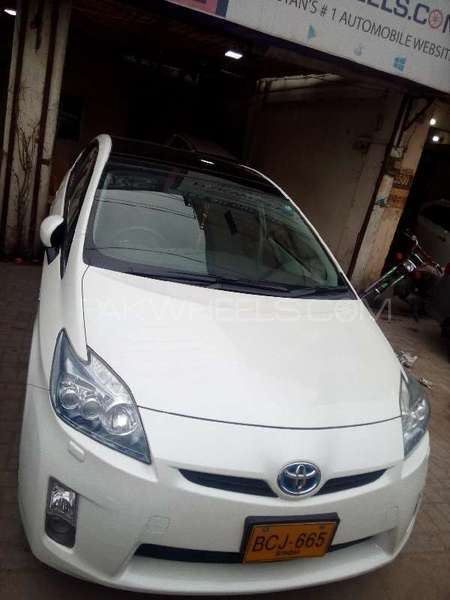 Toyota Prius G LED Edition 1.8 2011 Image-1