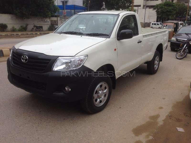 Toyota Hilux 4x4 Single Cab Standard 2016 Image-1