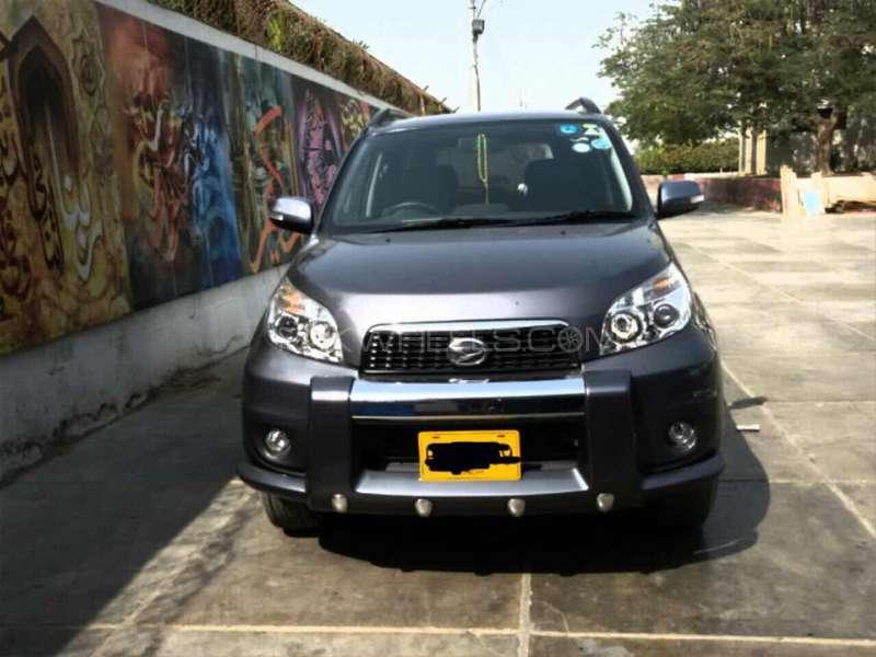 Daihatsu Terios 4x2 Automatic 2014 Image-1