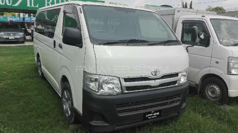 Toyota Hiace Standard 3.0 2012 Image-1