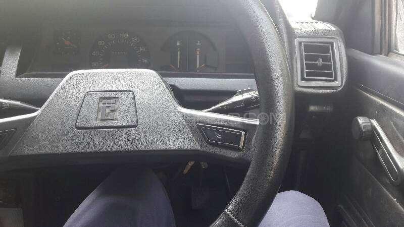 Toyota Corolla DX 1982 Image-4