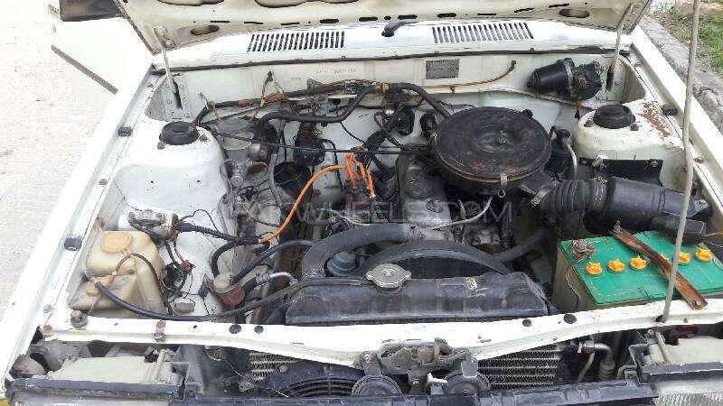 Toyota Corolla DX 1982 Image-13