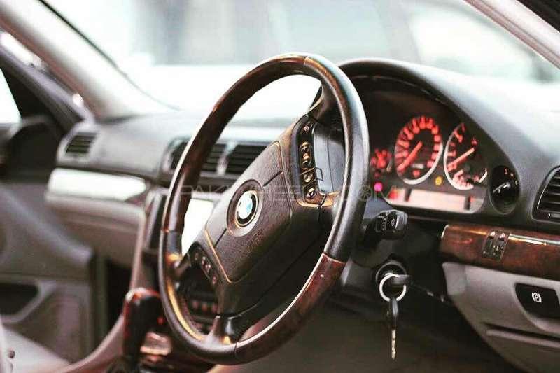 BMW 7 Series 740i 2000 Image-2