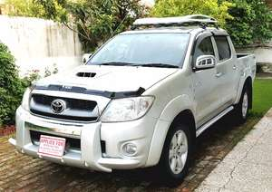 Toyota Hilux D-4D Automatic 2010 for Sale in Islamabad