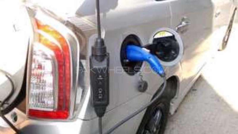 prius charger Image-1