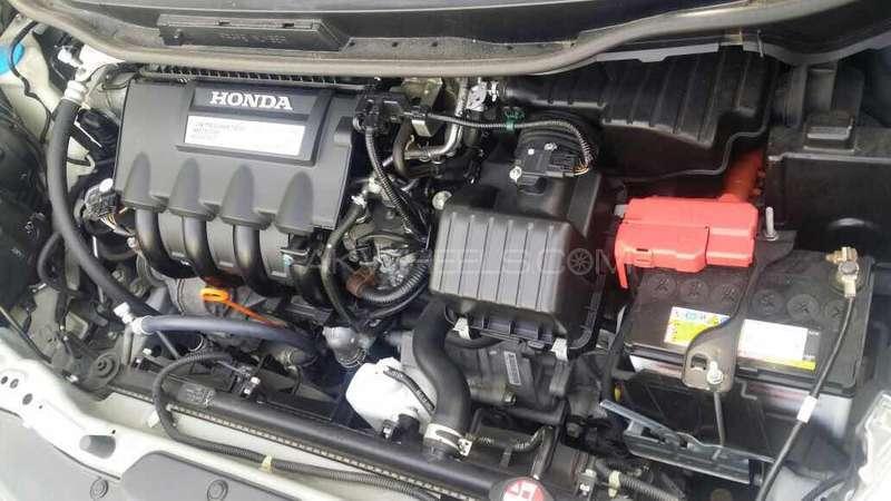 Honda Fit Hybrid 2013 Image-7