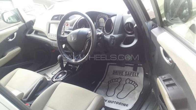 Honda Fit Hybrid 2013 Image-12