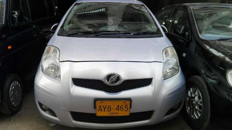 Toyota Vitz 2008 Image-1