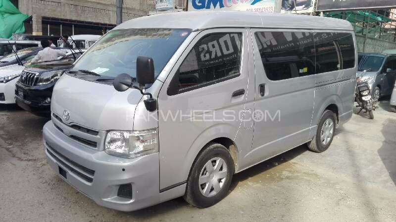 Toyota Hiace High-Roof 3.0 2013 Image-1