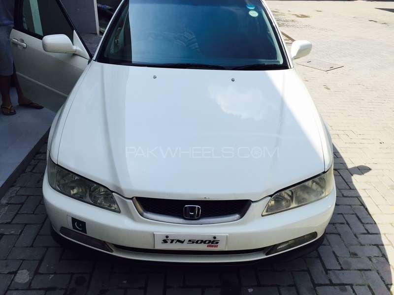Honda Accord CF3 2001 Image-1