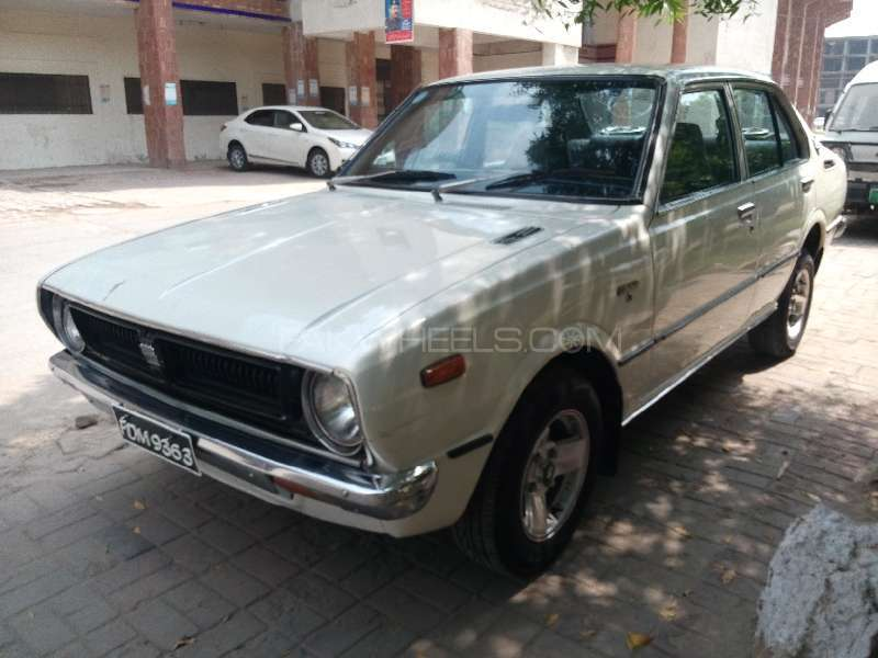 toyota corolla x 1 3 1976 for sale in faisalabad pakwheels. Black Bedroom Furniture Sets. Home Design Ideas