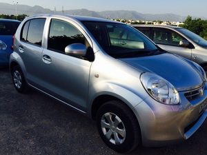 Toyota Passo + Hana 1.0 2013 for Sale in Islamabad