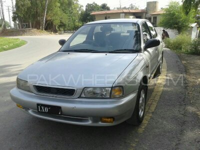 Suzuki Baleno GLi 1999 Image-1