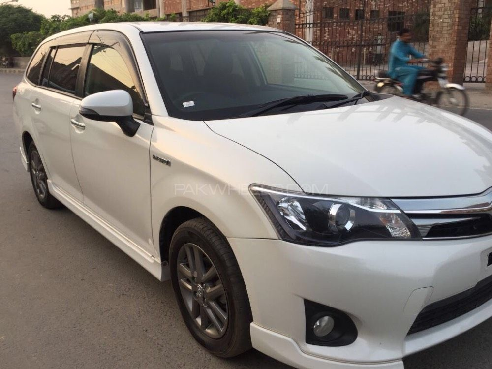 2010 Toyota Camry For Sale >> Toyota Corolla Fielder Hybrid 2013 for sale in Faisalabad | PakWheels
