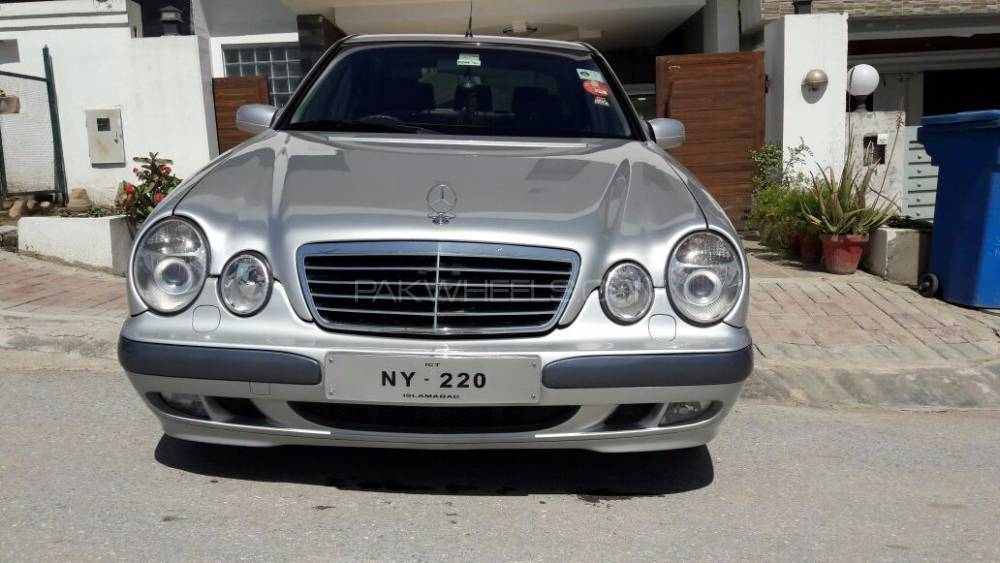 mercedes benz e class e 220 cdi edition 2001 for sale in islamabad pakwheels. Black Bedroom Furniture Sets. Home Design Ideas