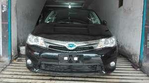 Used Toyota Corolla Axio Hybrid 1.5 2014