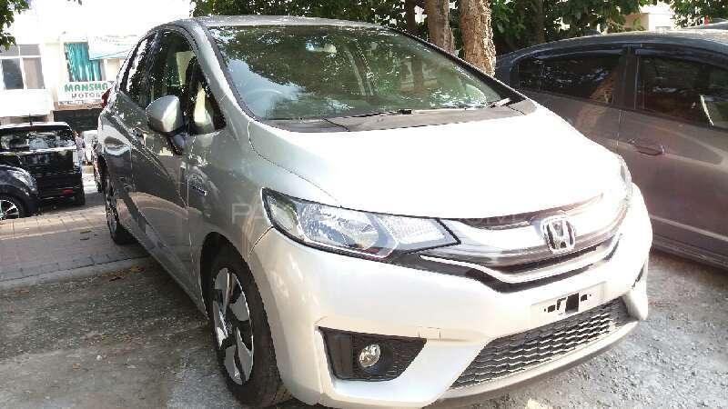 Honda Fit X 2014 Image-1