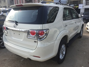 Slide_toyota-fortuner-2-7-automatic-2013-13046339