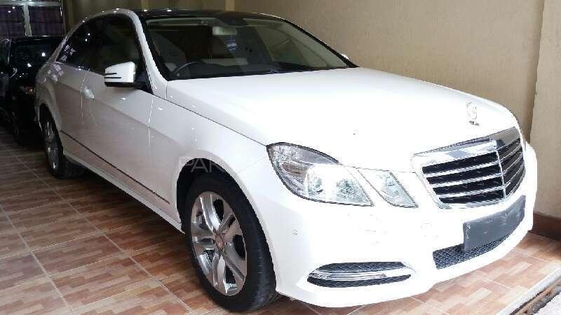 Mercedes Benz E Class 2013 Image-1
