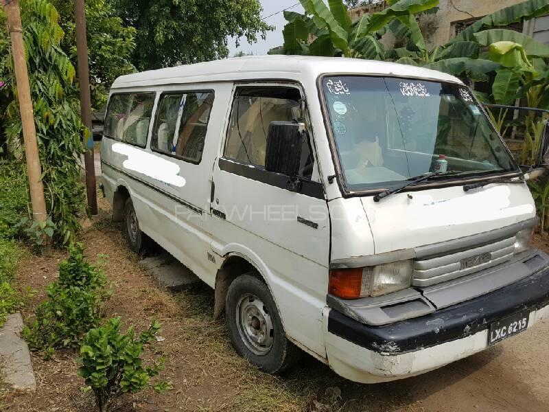 Mazda E 2200 1993 Image-1