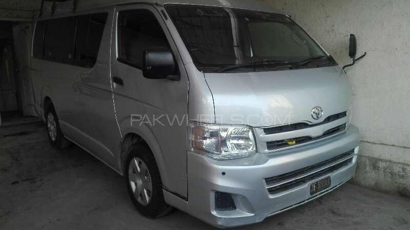 Toyota Hiace 2011 Image-1