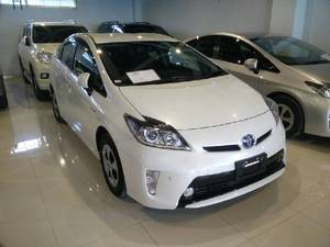 Toyota Prius G 1.8 2013 for Sale in Islamabad