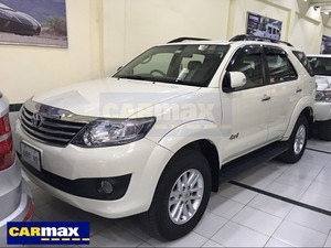 Toyota Fortuner 2.7 VVTi 2013 for Sale in Lahore