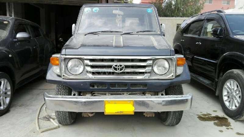 Toyota Hilux Single Cab 1988 Image-1