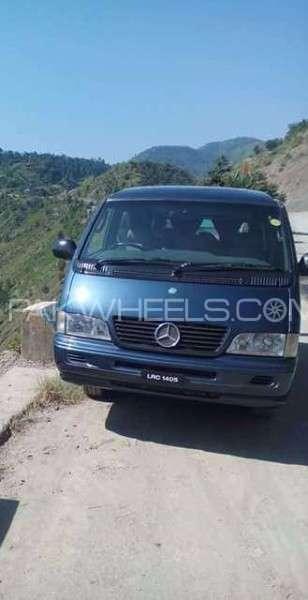 Mercedes Benz Ponton 2002 Image-1