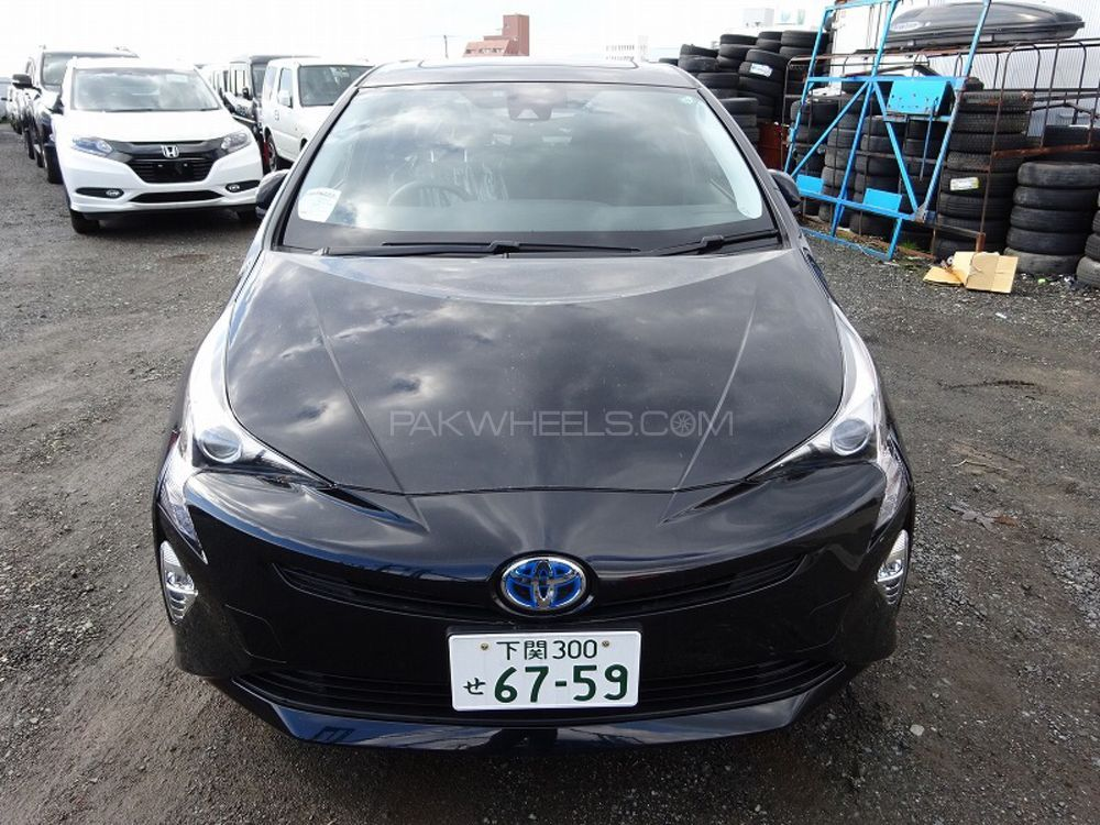 Toyota Prius S Touring Selection 1.8 2015 Image-1