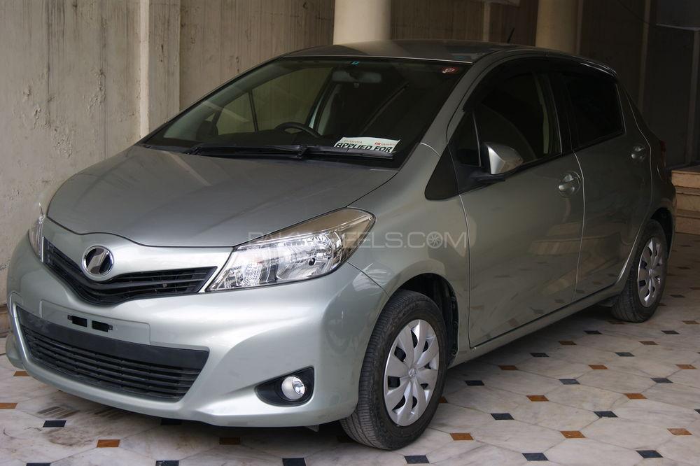 Toyota Vitz F Smile Edition 1.0 2012 Image-1