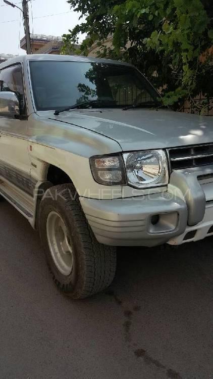 Mitsubishi Pajero Exceed 3.5 1998 Image-1