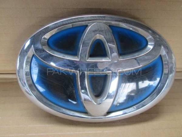 Front Logo - Toyota Aqua. Image-1