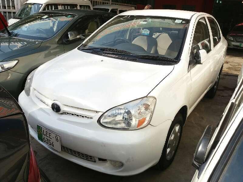 Toyota Platz F 1.0 2004 Image-1