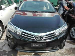 Toyota Corolla 2016 for Sale in Lahore