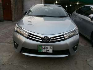 Toyota Corolla Altis CVT-i 1.8 2014 for Sale in Lahore