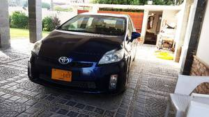 Toyota Prius G 1.8 2010 for Sale in Karachi