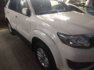 Slide_toyota-fortuner-2-7-automatic-2015-13553554