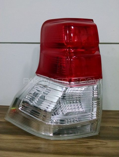 Prado Tail Light (left) Image-1