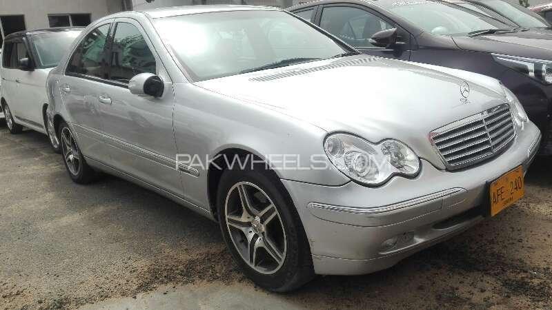 Mercedes Benz C Class 2011 Image-1