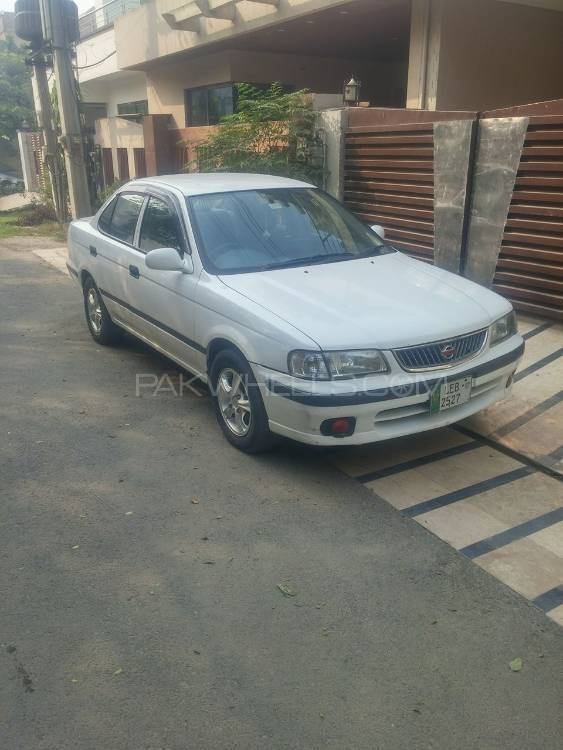Nissan Sunny EX Saloon Automatic 1.3 2001 Image-1