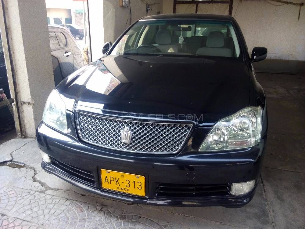 Toyota Crown Royal Saloon 2004 Image-1