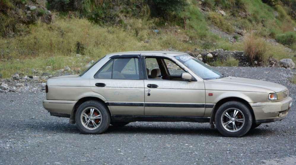Nissan Sunny 1992 Image-1