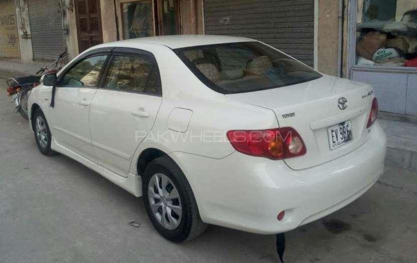 Toyota Corolla Altis 1.8 2011 Image-1