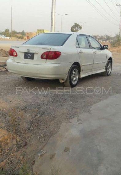 Toyota Corolla SE Saloon 2003 Image-1