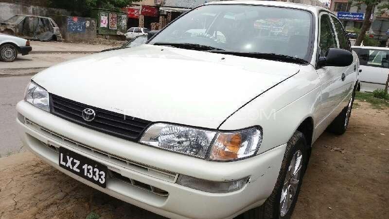 Toyota Corolla XE Limited 2001 Image-1