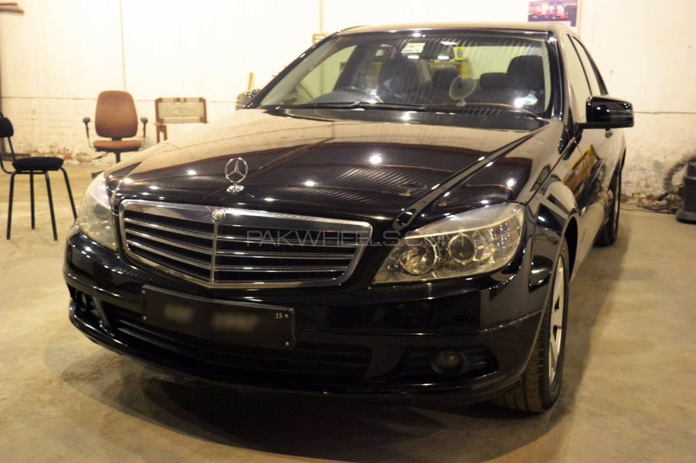 mercedes benz c class c180 2009 for sale in faisalabad pakwheels. Black Bedroom Furniture Sets. Home Design Ideas
