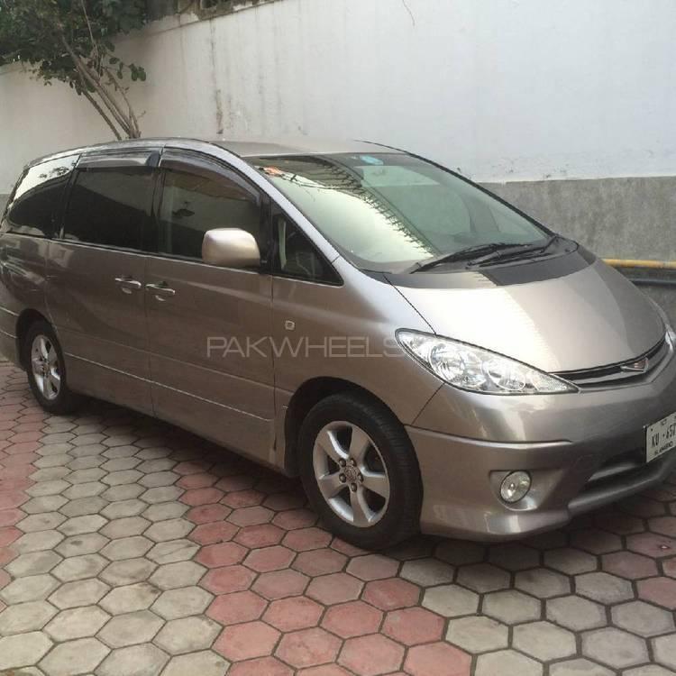Toyota Estima 2004 Image-1