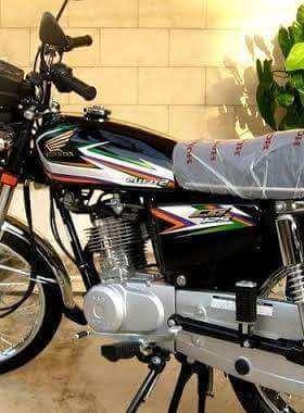 Honda 125 black colour tanki tapay  Image-1
